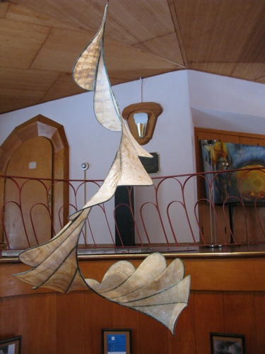 the segments actually correspond nicely with the shapes of the railing